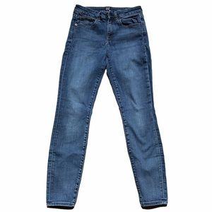 Gap Size 27 Curvy True Skinny Jeans Medium Wash